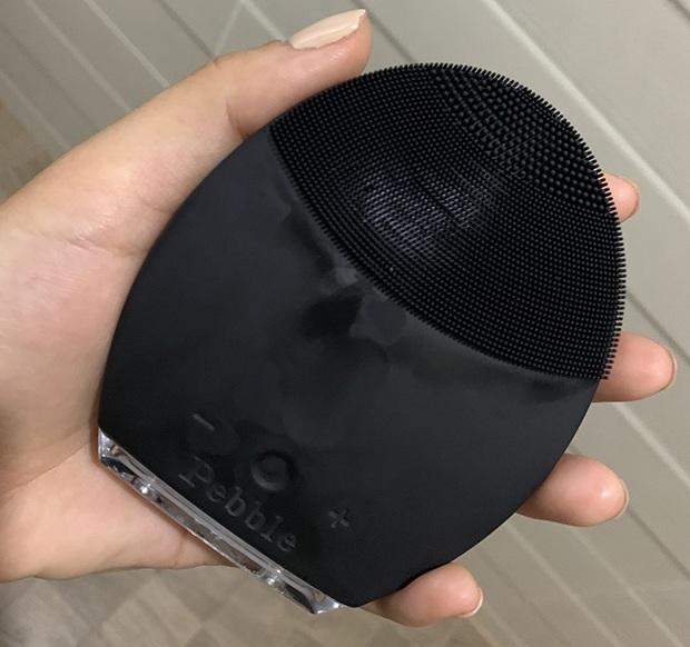 máy rửa mặt pebble lisa đen